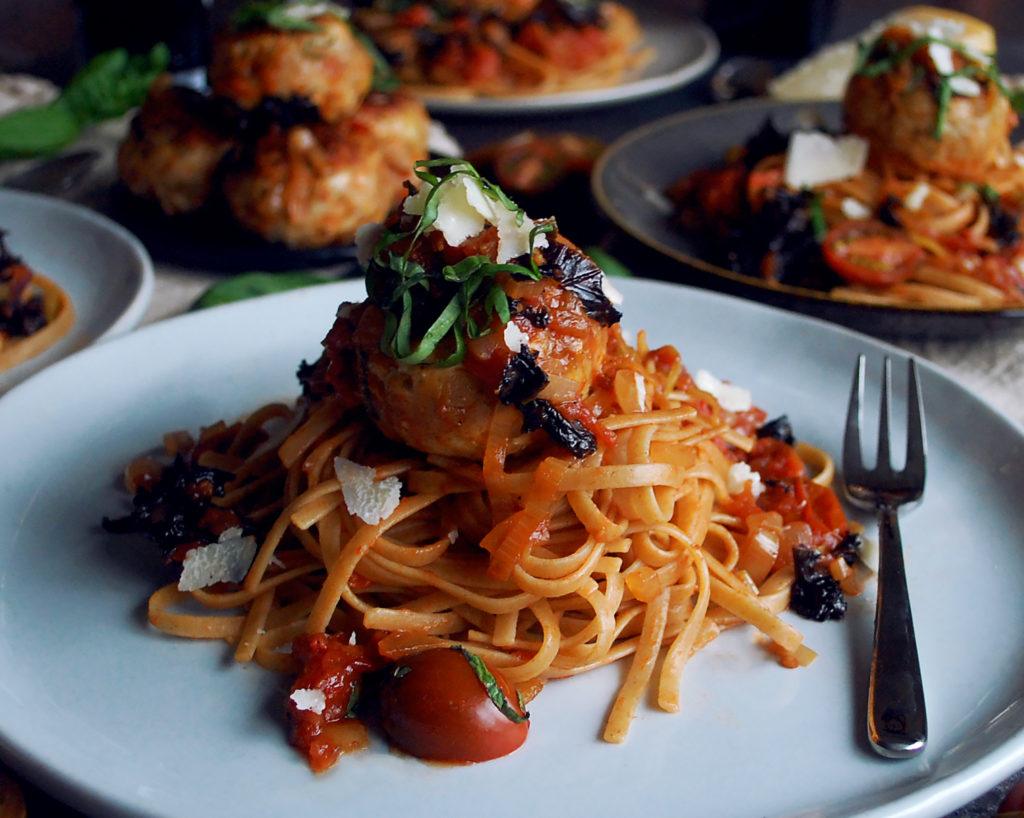 Turkey Meatballs with Chunky Tomato Basil Sauce & Whole Grain Linguine ...